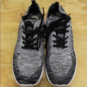 New Listing Champion Men's Athletic sneakers sz 10